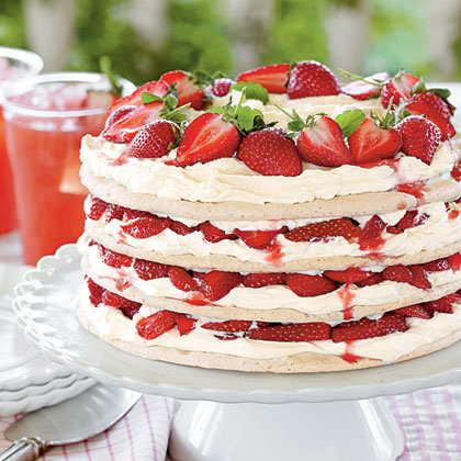 Fresh Strawberry Meringue Cake | Quick & Easy Recipes