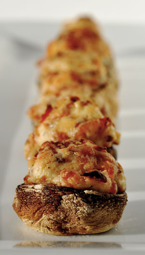 Bacon-and-Cream-Cheese-Stuffed-Mushrooms