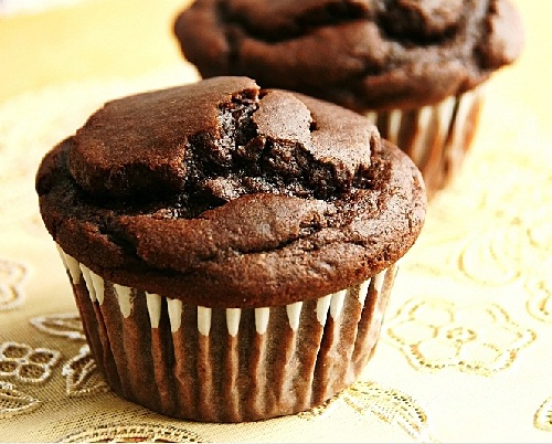 Chocolate-Peanut-Butter-Muffins