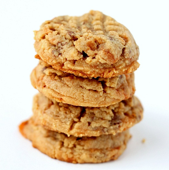 Butterfinger Peanut Butter Chocolate Chunk Cookies Recipe ...