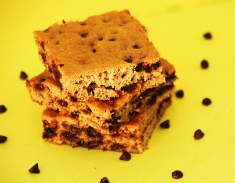 Whole-Wheat-Mini-Chocolate-Chip-Cookie-Bars