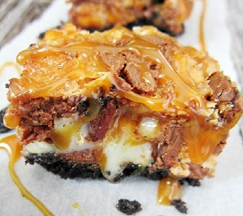 Snickers-Oreo-Caramel-Bars